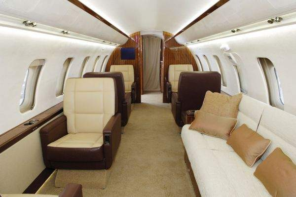 Los Angeles Private Charter Jet Rentals - Challenger 604 Private Plane for Rent