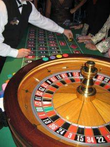 roulette game and table rentals in Michigan