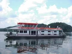 Side View of Boat Rentals in Lake Dale Hollow, KY
