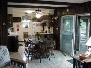 Greenhills Estates Montecello Dinning Room looking into kitchen