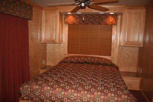 Dale Hollow Lake Bedroom in Houseboat for Rent in Tennessee