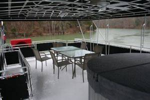 Upper Deck w/ Hot Tub on The Black Pearl Boat Rentals in Dale Hollow Lake, Tennessee