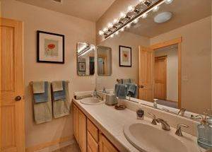 Town Home Rental Bathroom 2 in Lake Tahoe