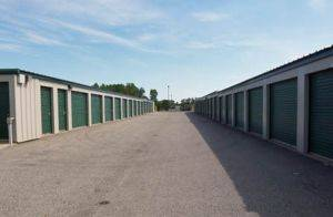 5x10 Self Storage Rental on Westchase Dr San Antonio TX