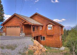 Exterior of Cabin Rental in Tahoe Donner