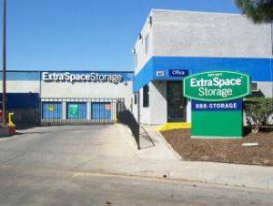 Extra Space storage Facility 401 Farnel Road