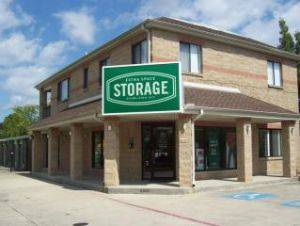 Extra Space Storage Facility 6005 Airline Dr