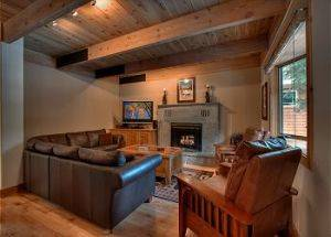 Home Rentals Living Room in Lake Tahoe