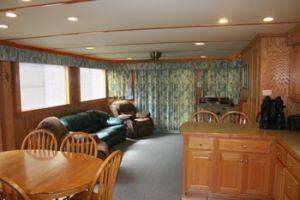 Living Area on the Southern Star Houseboat for Rent in Dale Hollow Lake, Tennessee