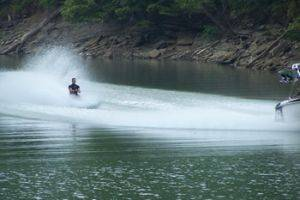 Dale Hollow Lake Bayliner Ski Boat Rentals in Tennessee