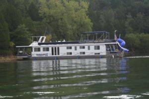 Southern Star Houseboat For Rent in Dale Hollow Lake, TN