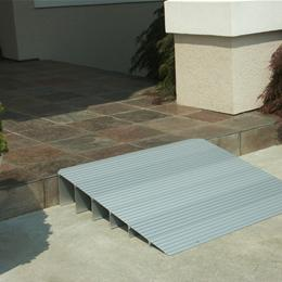 Lightweight Modular Wheelchair Threshold Ramp