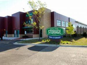 Extra Space Storage Facility on 1170 Skokie Hwy