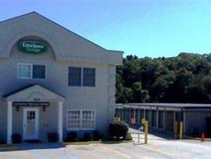 Extra Space Storage Facility 3600 Wade Hampton Blvd