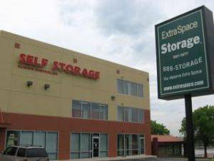 Extra Space Storage Facility 5001 S. Windermere Street