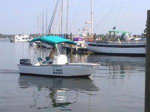 Orange Beach 18ft Fishing Boat Rentals in Alabama