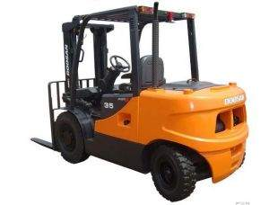 Doosan D50C-5 rear view of forklift