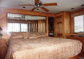Bedroom 75ft Executive Houseboat for Rent in Lake Havasu, in Arizona