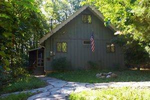 A Better Way >> Pocono Mountain Rentals-Near Blue Mountain Vacation Chalet For Rent | Rent It Today