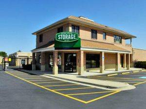 Extra Space Storage Facility on 155 Butterfield Rd