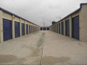 Extra Space Storage Outdoor 5x10 Units for Rent