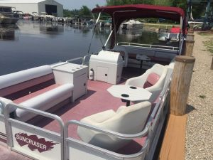 Rent A Pontoon Boat on Wolf River