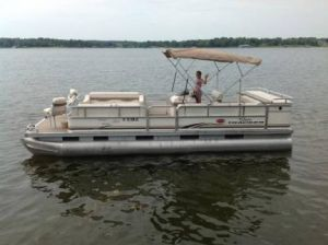 Reserve A Pontoon Boat For Rent