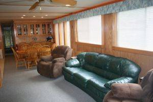 Living Room w/ Couch Area on the Southern Star Houseboat for Rent in Dale Hollow Lake, Tennessee