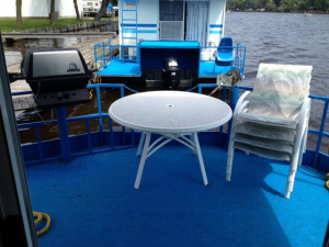 sun deck on houseboat