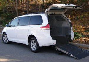 oakland ca handicapped accessible van for rent