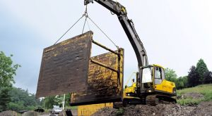 Volvo Rents Excavator Lifting Trench Collapse Prevention Tools