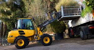 L25F compact wheel loader used for material handling applications