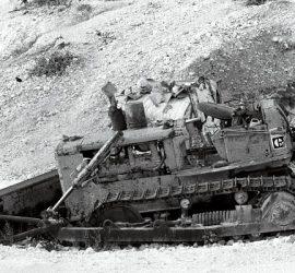 Bulldozer or Dozer Crawler